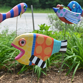 Shelly Drews - Brightly Painted Fish Sculptures